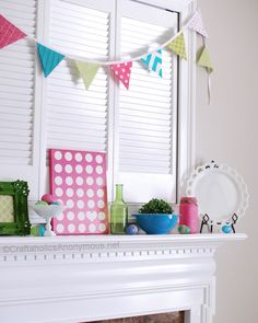 Learn how to sew DIY fabric pennant bunting banner for your kid's room or for holiday party decor. These make fun outdoor patio or balcony decor for the summer, too. Bunting Tutorial, Diy Tutorial, Triangle Banner, Fabric Bunting, Buntings, Diy Easter Decorations, Bunny Crafts, Easter Crafts, Sewing Projects For Beginners