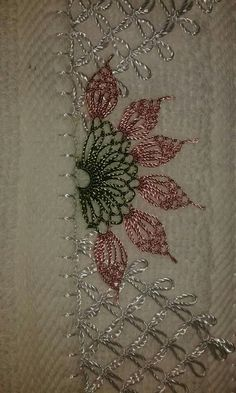 We have compiled free needle lace patterns and samples for every skill level. Browse lots of Free Crochet Patterns and Samples. Silk Ribbon Embroidery, Crewel Embroidery, Embroidery Patterns, Unique Crochet, Beautiful Crochet, Free Crochet, Crochet Edging Patterns, Lace Patterns, Needle Tatting