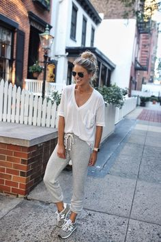 Mode Outfits, Trendy Outfits, Fashion Outfits, Womens Fashion, Fashion Trends, School Outfits, Classy Outfits, Fashion Maman, Outfits Leggins