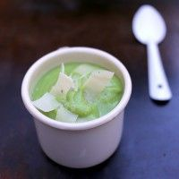 Soupe de brocolis au Parmesan