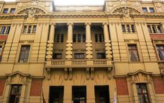 The Rand Club in downtown Johannesburg Image by: Archive Johannesburg City, Cape Dutch, Building Art, Walking Tour, Public Transport, Amazing Places, Countryside, South Africa, The Good Place
