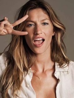 Gisele Bundchen world's highest paid model since Perfect Makeup, Pretty Makeup, Gisele Bundchen Style, Gisele Caroline Bündchen, Summer Hairstyles, Cute Hairstyles, Just Beauty, Hair Beauty, Portrait Photos
