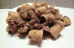 Mezze maniche con ragù di salsiccia e lenticchie | Ricetta
