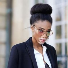 Winnie Harlow en la pasarela de Dior Haute Couture Primavera 2018  . . . . . . #harpersbazaar #harpersbazaarmx #fashion #style #dior - Culture and #Fashion - Women's #Dresses and Shoes - Purses and Accessories - #Luxury Lifestyles of Rich and Famous - Editorial Campaigns - Bargain #Shopping Ideas - Style and Beauty News - Best Designer Brands - Runway Photography - Supermodels