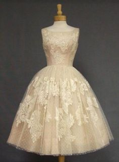 50s party dress  - I want a closet of 30s/40s/50s stuff. so badly