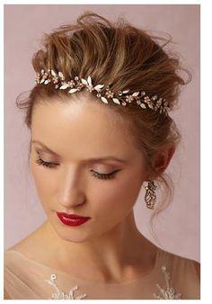 Wauw!!!! http://www.bhldn.com/bride/bluebell-halo?upsell=1
