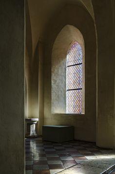 The window by Marek Kędzierski #photography #interior #malbork