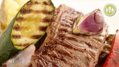 Pan Fried Sirloin Steak with Roasted Root Vegetables Marinated Vegetables, Roasted Root Vegetables, Steak Places, Dinner Party Recipes, Baby Potatoes, Sirloin Steaks, Steak Recipes, How To Cook Pasta, Cherry Tomatoes