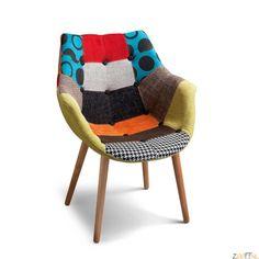 Dyyk Patch Design Stoel - De Patchwork Design Stoel van Dyyk is een bijzondere stoel met een optimaal zitcomfort. De zitting bestaat uit een plastic vorm bekleed met heerlijk zacht foam en een multi-color patchwork stof. Zit fantastisch en heeft naast het ideale comfort een vrolijke en bijzondere uitstraling. Het 4-potige onderstel is gemaakt van beukenhout. De Dyyk Patch Stoel is zowel te gebruiken als eetkamerstoel, maar ook als stoel voor op kantoor. De zachte stoel zal uw ruimte doen ...