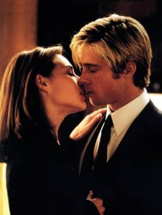 The Hottest On-Screen Couples Of All Time - Claire Forlani and Brad Pitt #bradpitt #movies #actor Angelina Jolie, Brad And Angelina, Jennifer Aniston, Brad Pitt Movies, Claire Forlani, Thelma Louise, Image Film, Film Serie, Cultura Pop