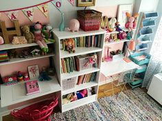 Do you have siblings sharing a small bedroom? Check out these shared bedroom ideas for a small space! Small Shared Bedroom, Small Girls Bedrooms, Bedroom Storage For Small Rooms, Bedroom For Girls Kids, Shared Bedrooms, Girl Bedrooms, Childrens Bedroom, Double Bedroom, Sister Bedroom