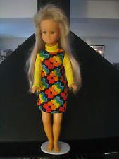 """Poupée mannequin Dolly de Gégé avec sa robe """"RENDEZ-VOUS"""""""
