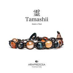 Tamashii - Bracciale originale tibetano realizzato con pietre naturali Corniola e legno orientale autentico con SIMBOLI MANTRA incisi a mano