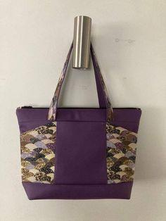 Sac Biguine en simili violet et imprimé vagues japonaises cousu par Marie-Christine - Patron Sacôtin