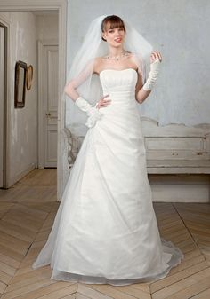 Bella Sublissima, Oeillade One Shoulder Wedding Dress, Marie, Creations, Wedding Dresses, Fashion, Costume Dress, Bridal Collection, Wedding Gowns With Sleeves, Dress Ideas