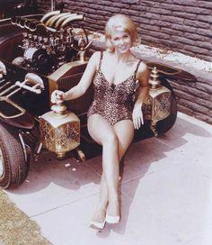Marilyn & The Munster Koach