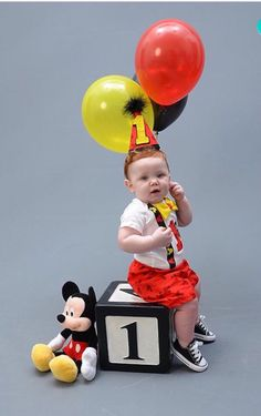 Cake Smash Mickey Mouse Outfit with SHORTS for di CuteAsClaire