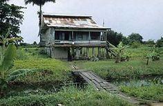 Mariënburg is een voormalige suikerrietplantage, -fabriek en kampong, gelegen in het Surinaamse district Commewijne.Tot de definitieve sluiting in 1986 was Mariënburg een overheidsbedrijf en wettelijk zijn de ex-arbeiders nooit ontslagen. Zij leven onder armoedige omstandigheden in de krotten van de voormalige arbeiderswoningen.