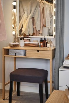 Bedroom Inspo, Bedroom Decor, Ikea Makeover, New Room, House Rooms, Diy Furniture, Entryway Tables, Sweet Home, New Homes