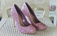 OMG YES~ Now that I have my tickets to totally need to find me some Pink sparkly shoes!