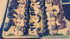 Vassoio di biscotti e cioccolatini per un BUON compleanno!!! ;-)