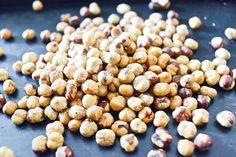 Noisettes grillées : Comment torréfier et monder les noisettes | Chocolate & Zucchini