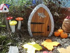 7 November 2012: Fairy Garden Door sold on eBay for £6.57