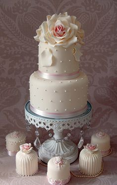 romantic cake, just thought this was pretty. I liked the little cakes on the bottom