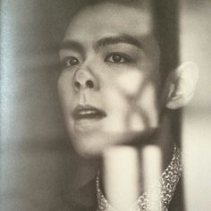 I feel like this is supposed to be a charismatic picture but this happened xP poor Top!! It's ok, this must be the only picture you don't look like a greek god ;)