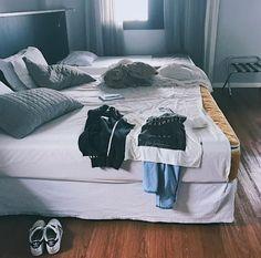 Esses dias o Erick tá hospedado aqui no @wzhoteljardins porque mudei de casa e meu quarto tá em reforma (tô gravando a reforma pra vocês🔨💕) e porque tô trabalhando num #ProjetoSecreto com muito amor! 🏢🙇🏼⭐️ #erick #mafra #erickmafra #ogds #ogarotodosonho #novacultura #coexiste
