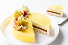 ☆Entremet coco-passion-mangue // Coconut, passionfruit and mango entremet (Recipe in French) French Desserts, Mini Desserts, Just Desserts, Dacquoise Coco, Entremet Recipe, Mousse Coco, Baking Recipes, Cake Recipes, French Pastries