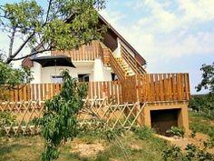 Ferienhaus Jól-Lak in Ungarn ist ein freistehendes Haus auf 1250 m² Grundstück. Es wurde kürzlich renoviert und gut isoliert. Das Ferienhaus liegt hoch und bietet schöne Aussicht ringsum.  Ferienhaus Ungarn, Jól-Lak in Pakozd - Ferienhäuser in Ungarn: http://www.ferienhauserinungarn.de/ferienhauser-ungarn-angebote/Ferienhaus_ungarn_jol_lak_pakozd_205/