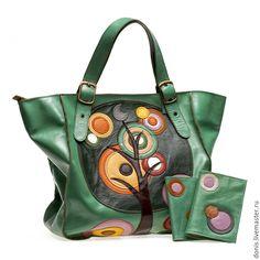 "Купить Сумка ""Дерево желаний"", натуральная кожа - зеленый, натуральная кожа, сумка из натуральной кожи Leather Clutch Bags, Leather Purses, Leather Handbags, Stylish Handbags, Purses And Handbags, Leather Bags Handmade, Handmade Bags, Patchwork Bags, Vintage Purses"