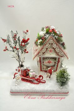 christmas little house Christmas Makes, Winter Christmas, Christmas Home, Handmade Christmas, Felt Christmas Decorations, Christmas Centerpieces, Christmas Wreaths, Christmas Ornaments, Christmas Projects