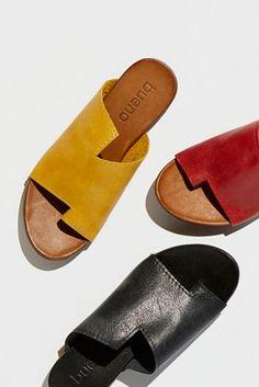 Women Summer Shoes Sandals Flip Flops Shoes Online Ankle Strap Block H – pistachiotal Women's Shoes, Fall Shoes, Me Too Shoes, Shoe Boots, Sport Sandals, Slide Sandals, Ankle Strap Block Heel, Ankle Straps, Block Heels