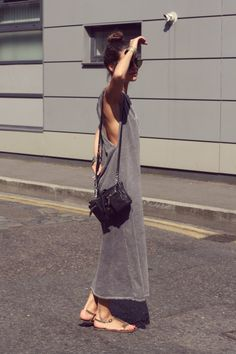 Bohemian grey casual // simple street style // boho maxi l. Street Style Outfits, Looks Street Style, Mode Outfits, Looks Style, Style Me, Madrid Street Style, Simple Style, Trendy Outfits, Look Hippie Chic