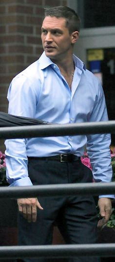 Tom Hardy, just look on him Marlon Brando, Tom Hardy, New James Bond, Men's Toms, British Men, Raining Men, Dream Guy, Gorgeous Men, Hello Gorgeous