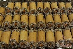 Honey rolls with caramel cream - Gebäck - crafts home Home Crafts, Diy And Crafts, Something Sweet, Christmas Cookies, Creme, Cookie Recipes, Bakery, Rolls, Food And Drink