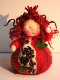 Granatapfel Jahreszeitentisch Fingerpuppe von Zauberland auf DaWanda.com