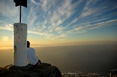 The Lions Head hike has long been a favourite for Capetonians and visitors to the Mother City. A hike up Lions Head is a must in the summer months when Lions Head Hike, Places To Travel, Places To See, Travel Destinations, Stuff To Do, Things To Do, Cheap Things, Cape Town Holidays, Im Coming Home
