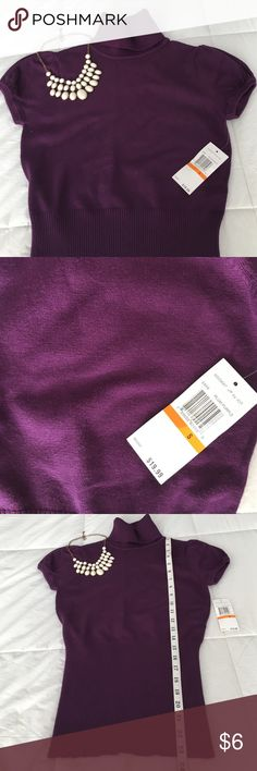 Turtle Neck Short Sleeve Purple Sweater size Small • Super cute, versatile wear: casual with jeans, dress up with a high waisted skirt or add a statement necklace for work! • Condition: brand new; never worn!  • Light weight turtle neck sweater; perfect for spring, fall, winter wear  Brand: Hooked Up (bought JCPenney) Size:Small  Color: Purple   ❗️buy 2 or more items and receive 20% discount!❗️ jcpenney Sweaters Cowl & Turtlenecks