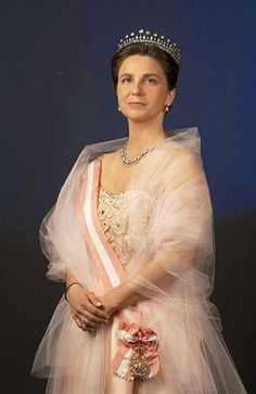 Her Royal Highness The Duchess of Braganza, Princess Royal of Portugal. Married Dom Duarte Pio, Duke of Bragança, current claimant to the Portuguese throne in They have 3 children. Royal Crown Jewels, Royal Jewelry, Casa Real, Portuguese Royal Family, Noble People, Queen And Prince Phillip, Dyed Natural Hair, The Royal Collection, Donia