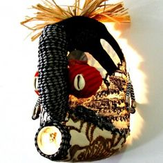 5 litre plastic containers recycled into Afro mask African Masks, African Jewelry, Plastic Containers, Craft Stores, Textile Art, Jewelry Crafts, Afro, Recycling, Artisan