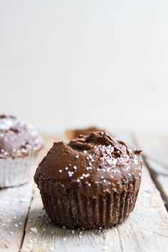 This Rawsome Vegan Life: DOUBLE CHOCOLATE CUPCAKES with BUTTERCREAM FROSTING