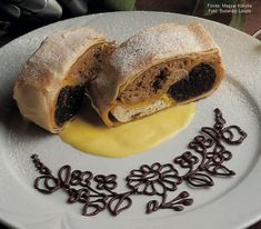 Kalocsai rétes (édes) Hungarian Recipes, Strudel, Food Design, Bagel, Food Art, Cookie Recipes, Sandwiches, Bread, Baking