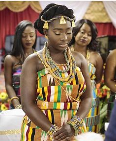 This is how I want to look for my traditional Ghanaian wedding❤ African Wear, African Women, African Dress, African Style, Ghana Traditional Wedding, Traditional Wedding Dresses, Kente Dress, Ghana Wedding, Kente Styles