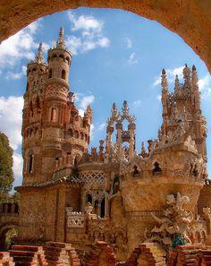 CASTLE COLOMORES SPAIN