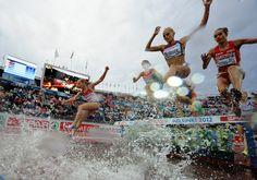 Zaterdag 30 juni: Vrouwelijke atleten tijdens finale van de 3000 meter steeplechase van het Europees Kampioenschap Atletiek in Helsinki, Finland. Nu.nl
