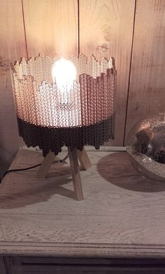 Cardboard Furniture, Diy Furniture, Luminaria Diy, Carton Box, Sculpture, Art Projects, Projects To Try, Diy Home Crafts, Lampshades