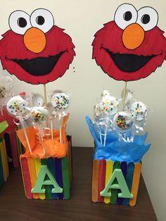 Elmo Centerpieces, Birthday Party Centerpieces, Diy Elmo Decorations, Sesame Street Party, Sesame Street Birthday, Baby 1st Birthday, Boy Birthday Parties, Elmo Birthday Party Ideas, Festa Cookie Monster